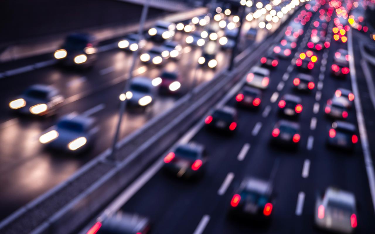 Машинам наказали соблюдать интервал: минимум 2 секунды