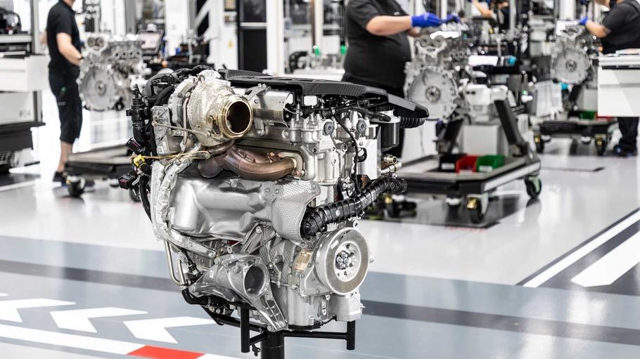 Подразделениe Mercedes-AMG представило самый мощный вмире четырехцилиндровый мотор