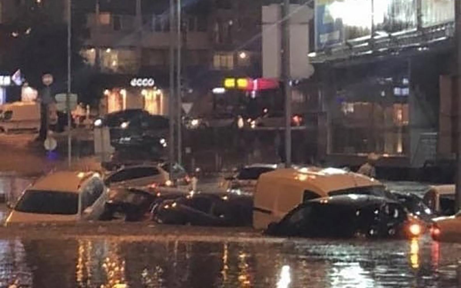 «Под воду уходили целые кварталы: в Киев дождь вызвал настоящий потоп