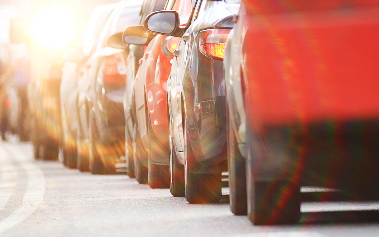 Москва против Питера: где лучше покупать подержанные автомобили?