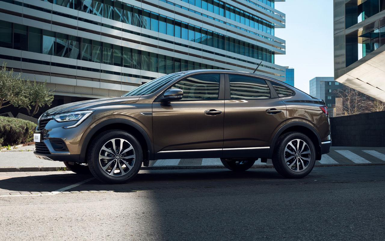 Новая версия Renault Arkana впродаже— внеобычном цвете