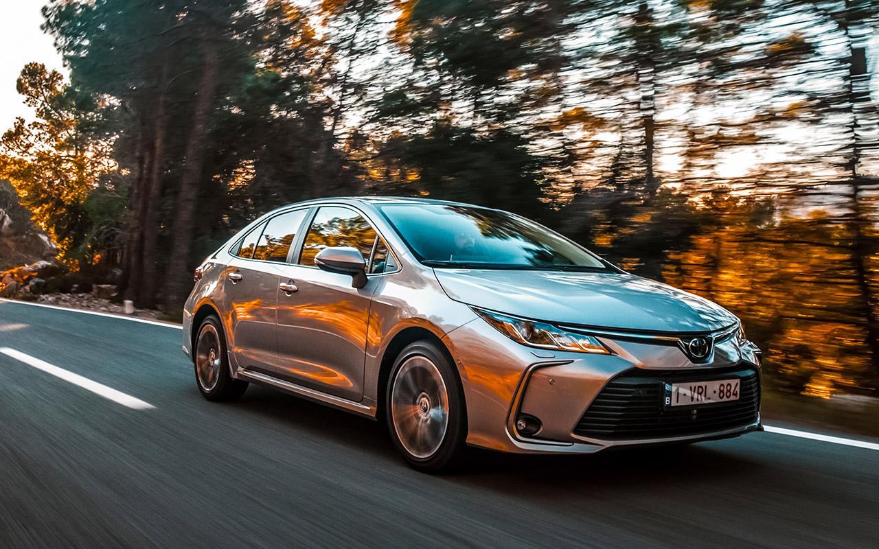 Новая Toyota Corolla: почти Camry (и по цене тоже)