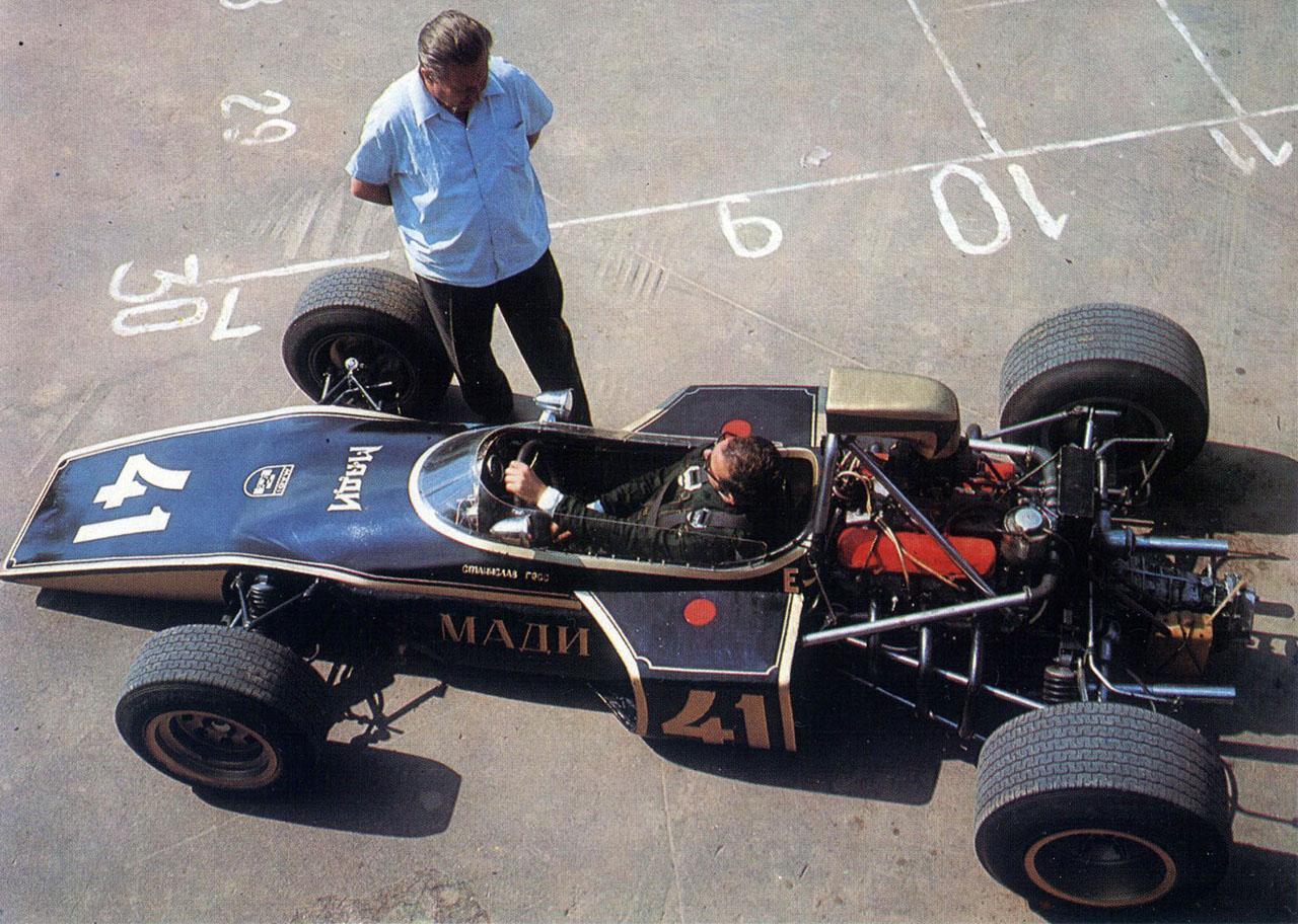 10 самых быстрых автомобилей времен СССР