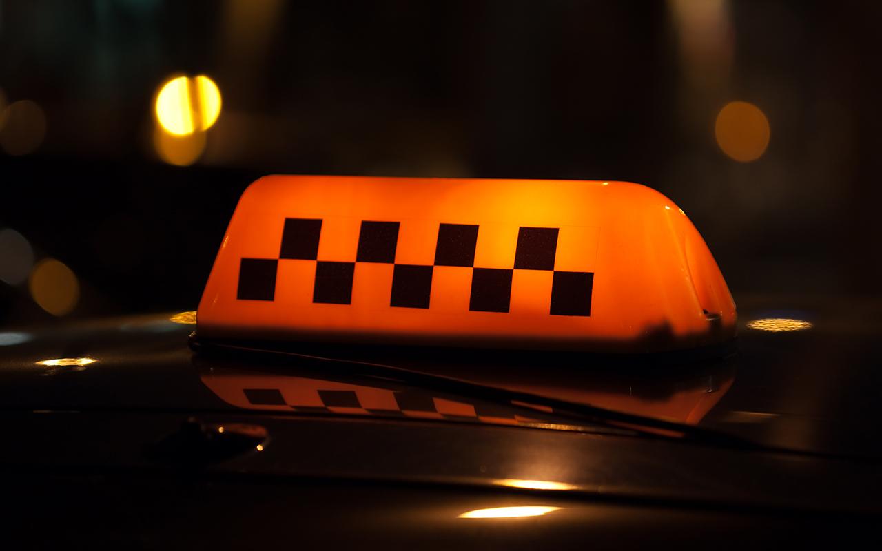 Таксист понял, что везет наркомана, и провел с ним «профилактическую» беседу
