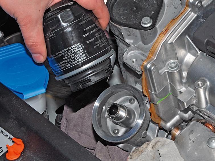сколько заливается масло в двигатель фольксваген 1.2