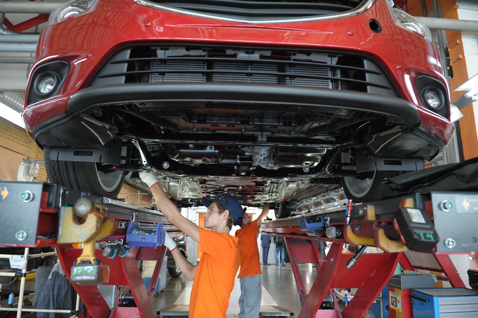 Выпуск автомобилей в 2015 году может возрасти на 1,5% - журнал За рулем