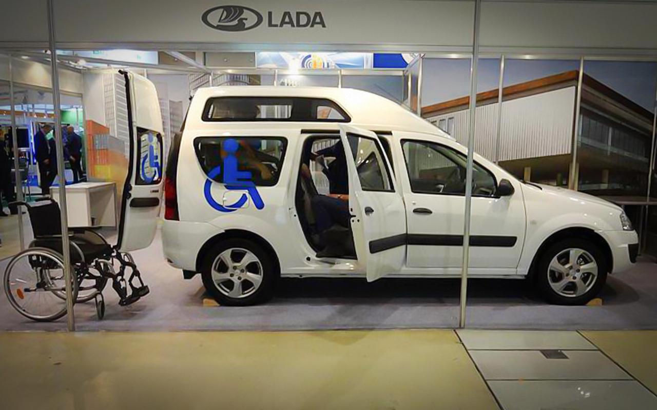 Новая версия Lada Largus: цены начинаются с 980 тысяч!
