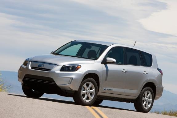 Серийный электрокроссовер <b>Toyota RAV4</b> EV оценили в $49 800 ...