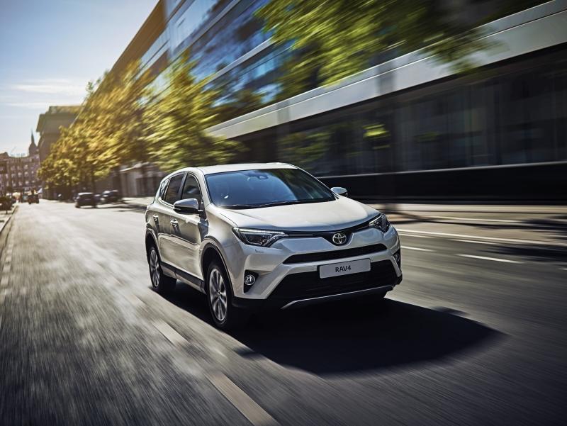 Обновленный <b>Toyota RAV4</b> на пути к российским дилерам ...