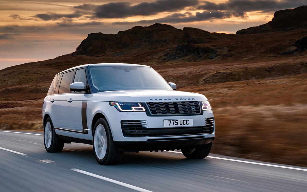 Land Rover привез в Россию гибридный внедорожник