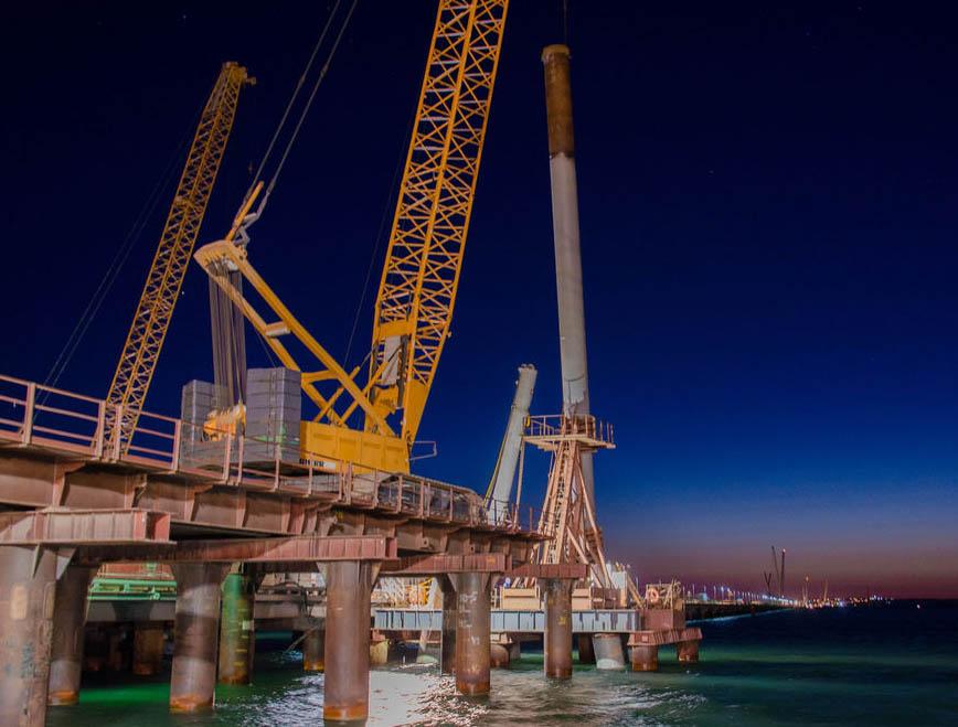 локти фото строителей керченского моста выспалась готова новому