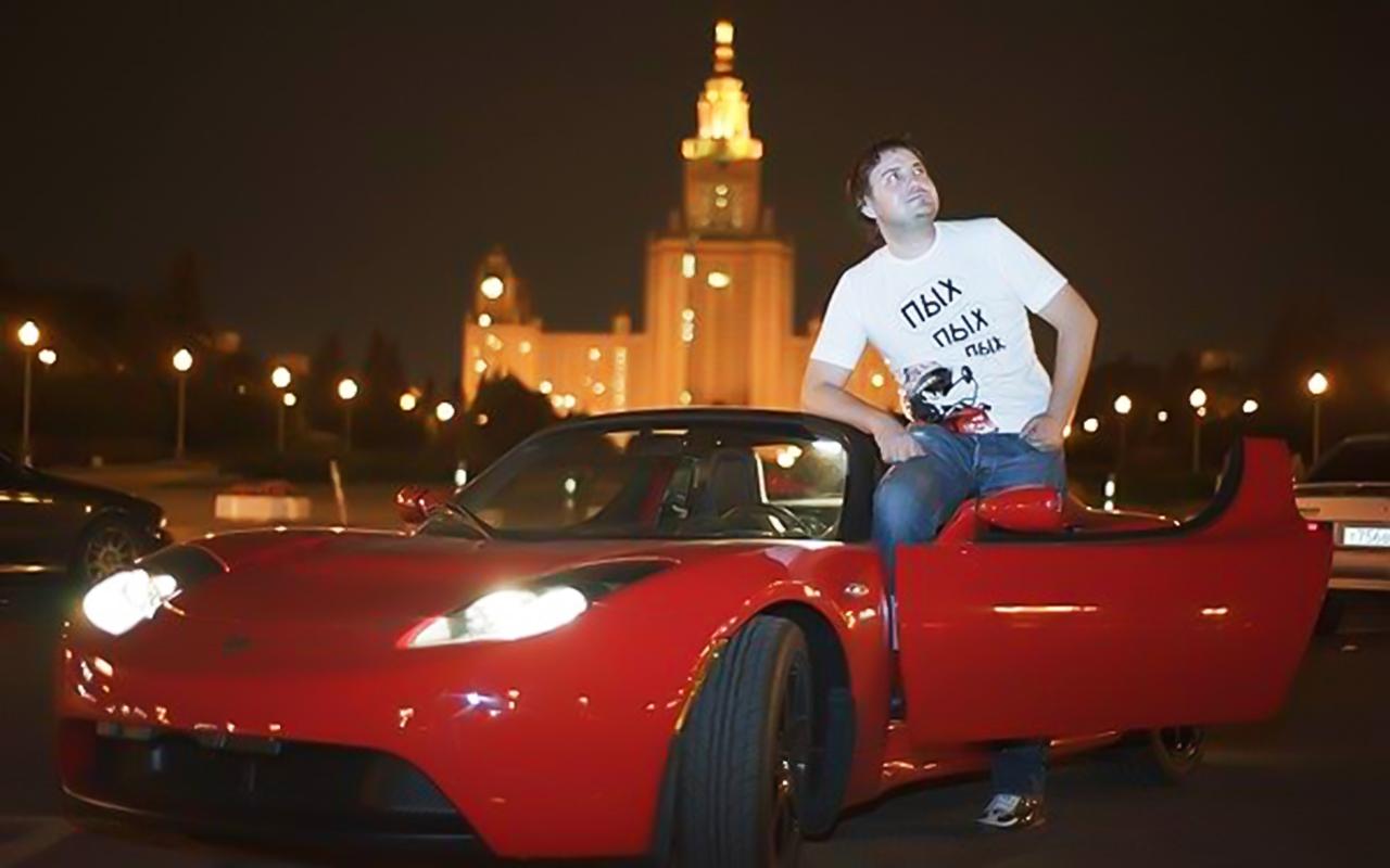 У российского хакера украли Теслу, пока он сидел в тюрьме США